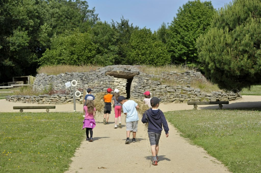 Le dolmen (reconstitution)
